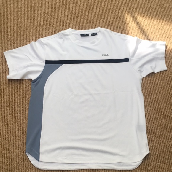 c1e0be090a Men's NWOT Fila tennis shirt. M_5b8ae9560e3b86109a925bf1